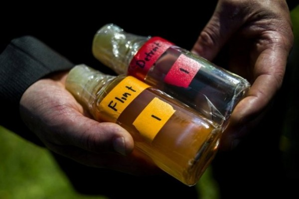 Virginia Tech professor Marc Edwards shows Flint water quality Source: Flint Journal via Michigan Live