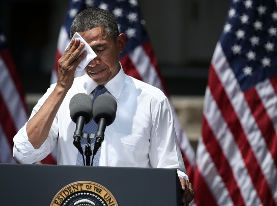 obama wipes face at speech